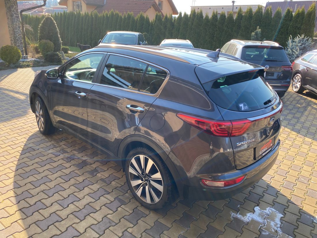 Kia Sportage 2,0 CRDi 4wd AT Style full